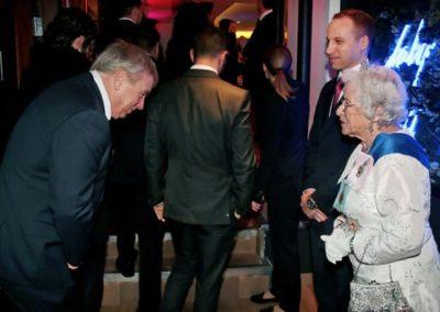 Prince-William-&-Queen-lookalike-7